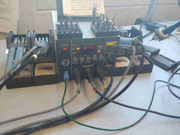 Pace temperature controlled soldering iron